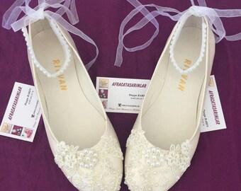 Wedding Shoes, Bridal Ballet Shoes, Lace Wedding Shoes, Women's Wedding Shoes, Weddings, Wedding Flats, Lace Wedding Flats, Bridal Shoes,