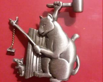 JJ Jonette Cat and Mouse Brooch