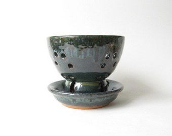 Berry Bowl made in Stoneware