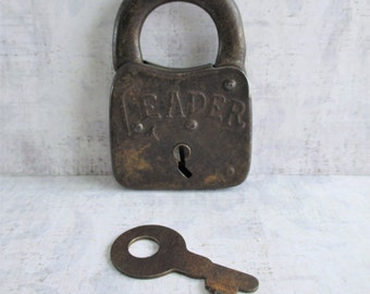 Vintage Leader Padlock With Working Key (N)