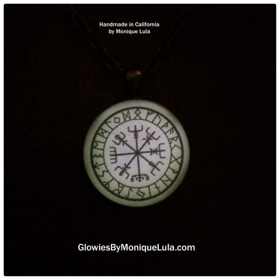 Glow in the dark Viking Compass Vegvísir