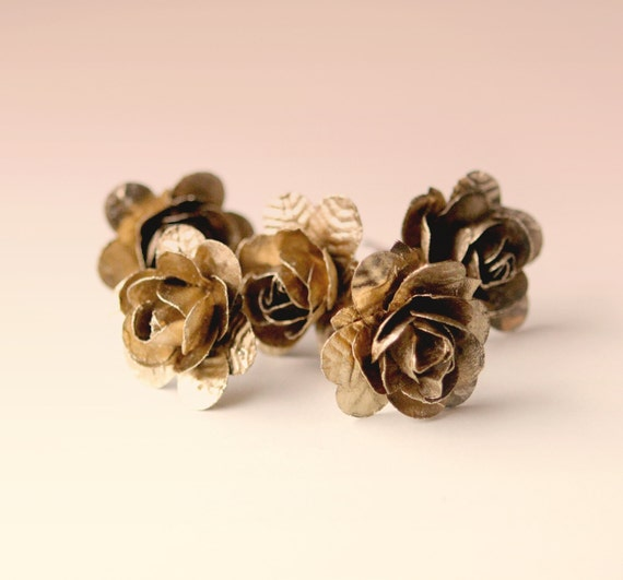 Gold flower clips - ONE (1) PIN - Golden clips, Bridal hair pins, Woodland wedding accessory, Rose bobby pins, Golden rose bobby pin clips