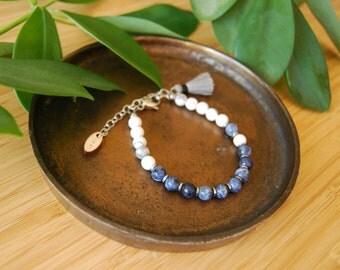 The Idealist bracelet / Sodalite / mala bracelet / minimalist bracelet / howlite / hematite /silver / healing stones