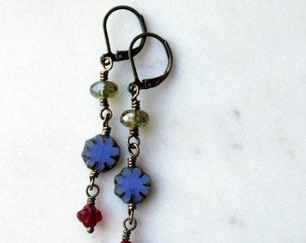 Bohemian Bead Earrings / Blue and Red Dangle Earrings / Czech Glass Bead Drop Earrings / Boho Chic Jewelry / Blue Flowers / Casual Earrings