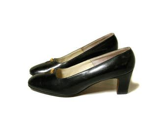 60s Black Leather Pumps, Black Leather Heels, Black Heels 7, Vintage Pumps, Classic Pumps, Saks Fifth Avenue, Fenton Last, Size 7A Narrow