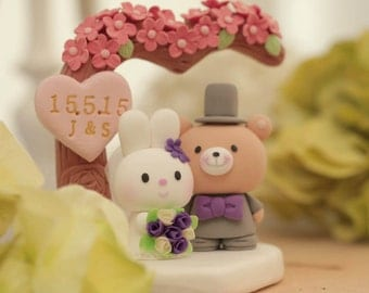 rabbit and bear wedding cake topper,bunny and bear wedding cake topper,bunny cake topepr,rabbit cake topper---k951