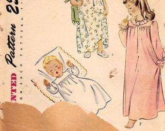 1940s Simplicity 1956 Vintage Sewing Pattern Girls Nightgown Size 1
