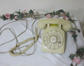 Telephone Rotary Dial ITT Yellow Desk Retro Decor