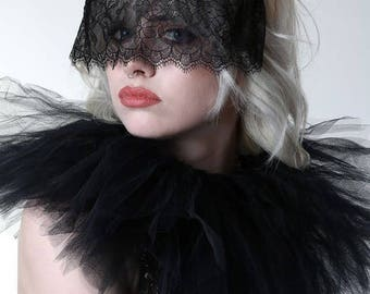 Lace veil headband.