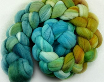 Sale! 10% off! Azteka Turquoise 2 merino wool top for spinning and felting (4 ounces)
