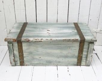 Old Cedar Trunk, Vintage Trunk, Small Trunk, Aqua Decor, Rustic Decor, Shabby and Chic, Organization, Wood Storage Trunk, Antique Chest