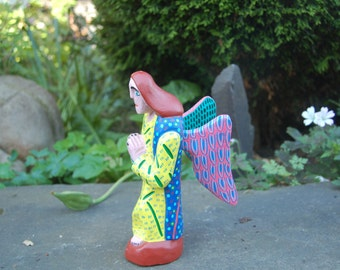 "Pedro Ramirez Arrazola Oaxaca XOXO Mexican Folk Art Beautifully carved wood Colorfully Painted 9"" Angel w/ Hands Held in Prayer ~ Excellent"