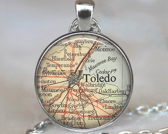 Toledo, Ohio map pendant, Toledo map pendant Toledo map necklace charm vintage map jewelry Toledo pendant key chain ring