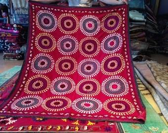 "Coming up DAISIES! Vintage Uzbek SUZANI embroidery / 5'1""x6'6"" / 155x200cm"