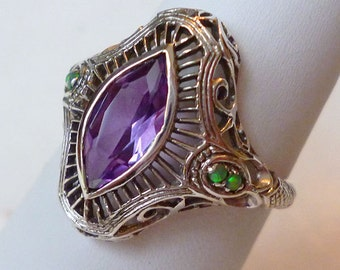 Amazing Color Changing Alexandrite Solitaire Ring in Sterling Silver Size 7 / Gemstone Antique Victorian Edwardian Art Nouveau Deco Bohemian