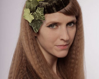 Green velvet pillbox hat with ivy leaves 1940s vintage style