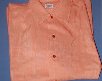 60s 70s Men's Shirt, Short Sleeved, Peach, Cotton, Pearlized Buttons, Size Large