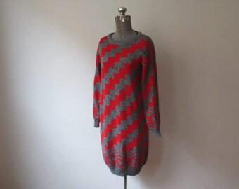 Amazing! Vintage '80s 'Dressy Tessy' Diagonal Zig-Zag Striped Grey & Red Knit Sweater Dress, Medium