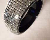 LUCITE CHAINMAIL BANGLE / Bracelet / Black / Silver / Embedded / Layered / Laminated / Art Moderne / Couture / Runway / Trendy / Accessory