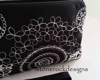 Embroidery Wristlet Black and White Swivel Handle