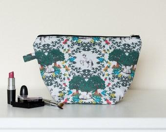 Medieval Unicorn Wash Bag