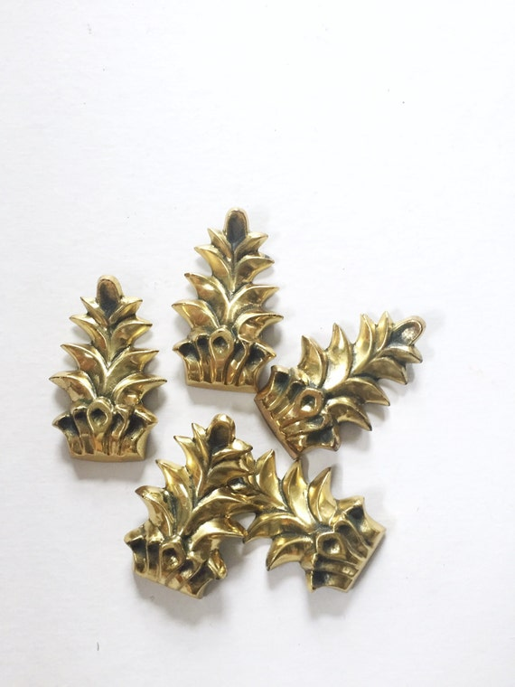 brass metal pineapple paperweight / 1 paperweight
