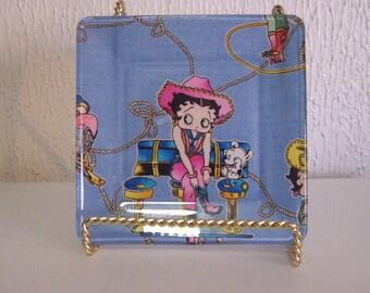 Classic cartoon. Cartoon character. Betty Boop. Catch all tray. Glass plate. Betty Boop fabric. Handmade plates. Betty fan. Candy dish.