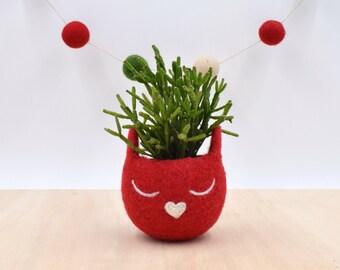 Christmas gift for her / Succulent planter / Felt planter /  Cat head planter / Small succulent pot / cat lover gift / red cat vase