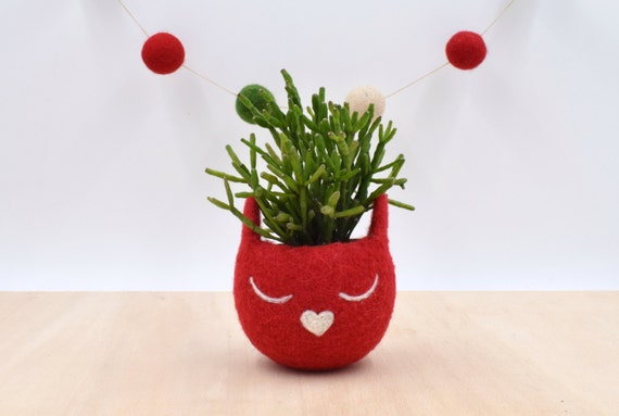 Christmas gift for her / Succulent planter / Felt planter /  Cat head planter / Small succulent pot / cat lover gift / red cat vase