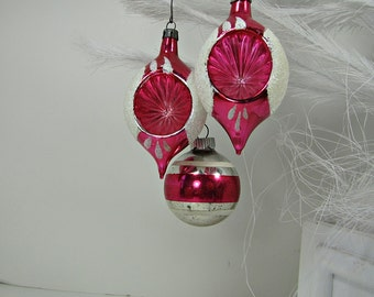 Vintage MERCURY Glass ORNAMENTS Set/3 RASPBERRY PiNK Indent Christmas Tree