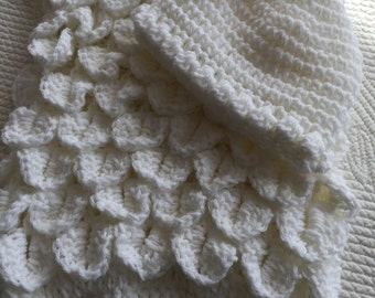 """Soft and Cozy Baby Cocoon and Hat in """"Snow White"""", White Crochet Baby Cocoon, Baby Cocoon, Shower Gift for Baby, Baby Hat, Photo Prop"""