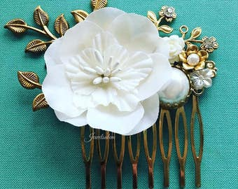 Ivory Wedding Comb, Pearl Hair Comb for Bride, Bridal Comb, Hair Slide with Gold Leaves, Romantic Hair Adornment, Bridesmaids Gift Hair Pin