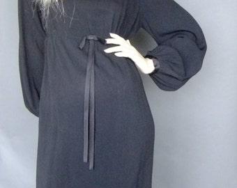 classic 50s dress, minimalist black dress, LBD, bishop sleeves, empire waist, mid century