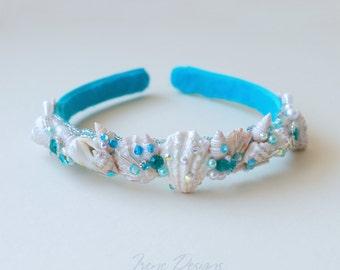 Mermaid's bridal headband.Blue beach wedding headband. Beach wedding hairpiece. Wedding hairpiece with shells and crystals