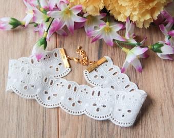 White scalloped eyelet choker necklace | Romantic choker | Wedding bridal jewelry | Summer jewelry |