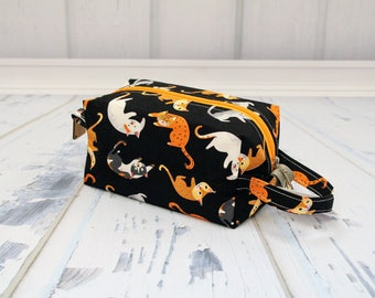 Cute Cats black fabric Small boxy bag, Knitting Boxy Project Bag, Knitting Project Bag. Sock Knitting bag. Crochet bag,zippered box bag