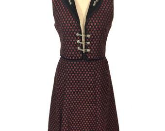 vintage floral dirndl skirt set / roses / Austrian German Oktoberfest / vest skirt set / women's vintage skirt set / tag size 42