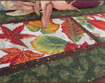 Quilted Fall Table Runner Autumn Leaves Green 503