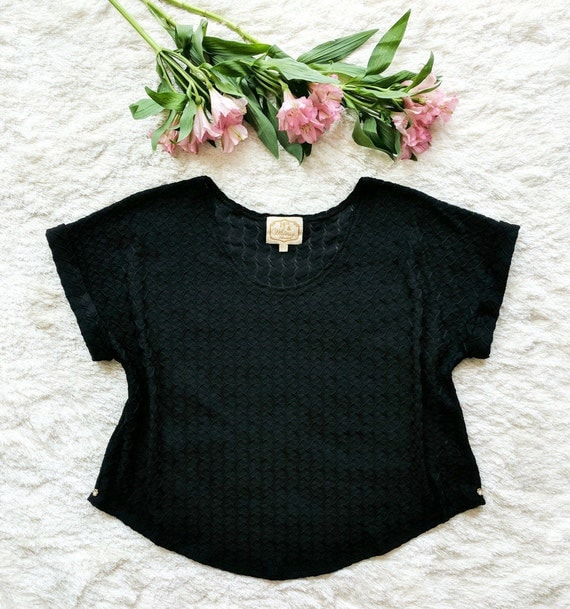 Charlotte Cuff Sleeve Tee / Black or White Fishtail Textured Sweater Knit w/ 24K Gold Plated Rhinestone Flower Buttons