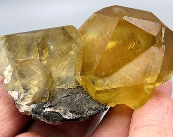 Rich Golden color Complete Calcite Crystal Cluster. Tonglushan Mine, Hubei, China