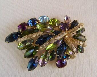 Vintage 1960s Jeweled Juliana Style Rhinestone Brooch