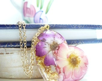 Valentines Jewelry, Resin Necklace, Heart Jewelry, Gold Flake, Rose Jewelry, Resin Jewelry, Flowers In Resin, Gold Flake, Love Necklace