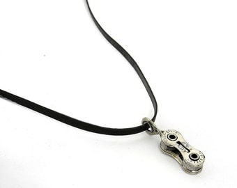 Bike Chain Necklace - handcrafted from recycled bicycle chain and inner tube - Vegan Necklace - Chain Jewellery - Bike Jewelery