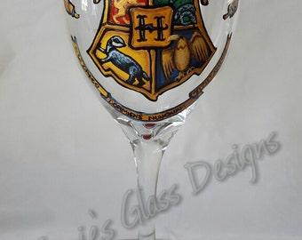 Hogwarts Crest from Harry Potter Design Wine Glass
