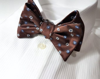 SELF TIED Bow Tie with Flowers in White Cornflower Blue and Cocoa Brown