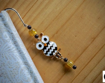 Metal bookmark - Owl. Gold, white and black color.