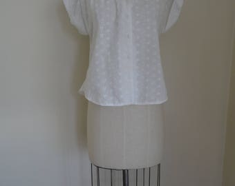 70's Blouse White Eyelet Embroidered Summer Top
