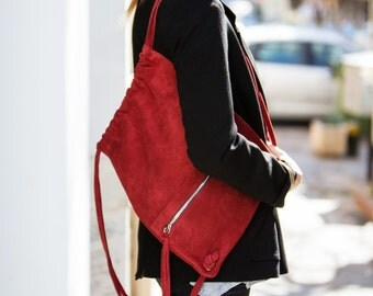 Leather handmade bag // backpack in red // gift for her