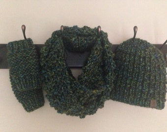Green Hat, Scarf & Fingerless Mitts Set