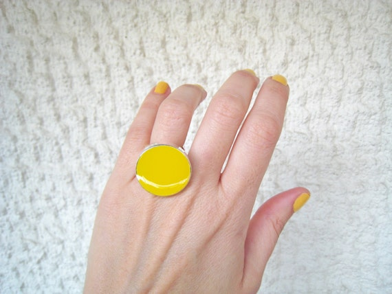 Yellow ring, yellow resin ring, lemon yellow glass ring, citrine neon pop jewelry, big chunky round ring, modern color block jewelry